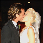 Gwen Stefani and Gavin Rossdale on their wedding day, September 14, 2002 129956
