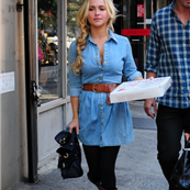 Hayden Panettiere getting pizza for lunch, New York City 129601