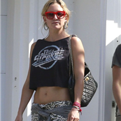 Kate Hudson and Matt Bellamy leave their house together  120406