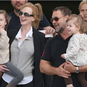 Nicole Kidman arrives with Russell Crowe and daughters and are met by Keith Urban in Sydney  138313