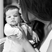 Vanessa Minnillo and her baby in PEOPLE 140178