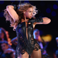 Beyonce performs at the 2013 Super Bowl halftime show 138635