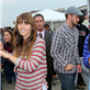 Jessica Biel and Justin Timberlake hand out relief items to Hurricane Sandy victims in New York  131725