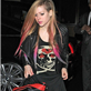 Avril Lavigne in London last night using a blanket to cover her body 128456