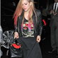 Avril Lavigne in London last night using a blanket to cover her body 128461